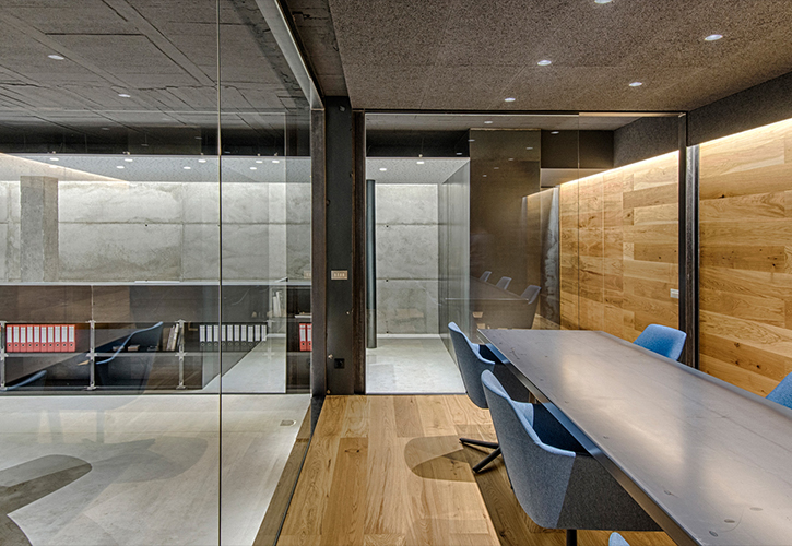 Proyectable offices renovation by Rocamora
