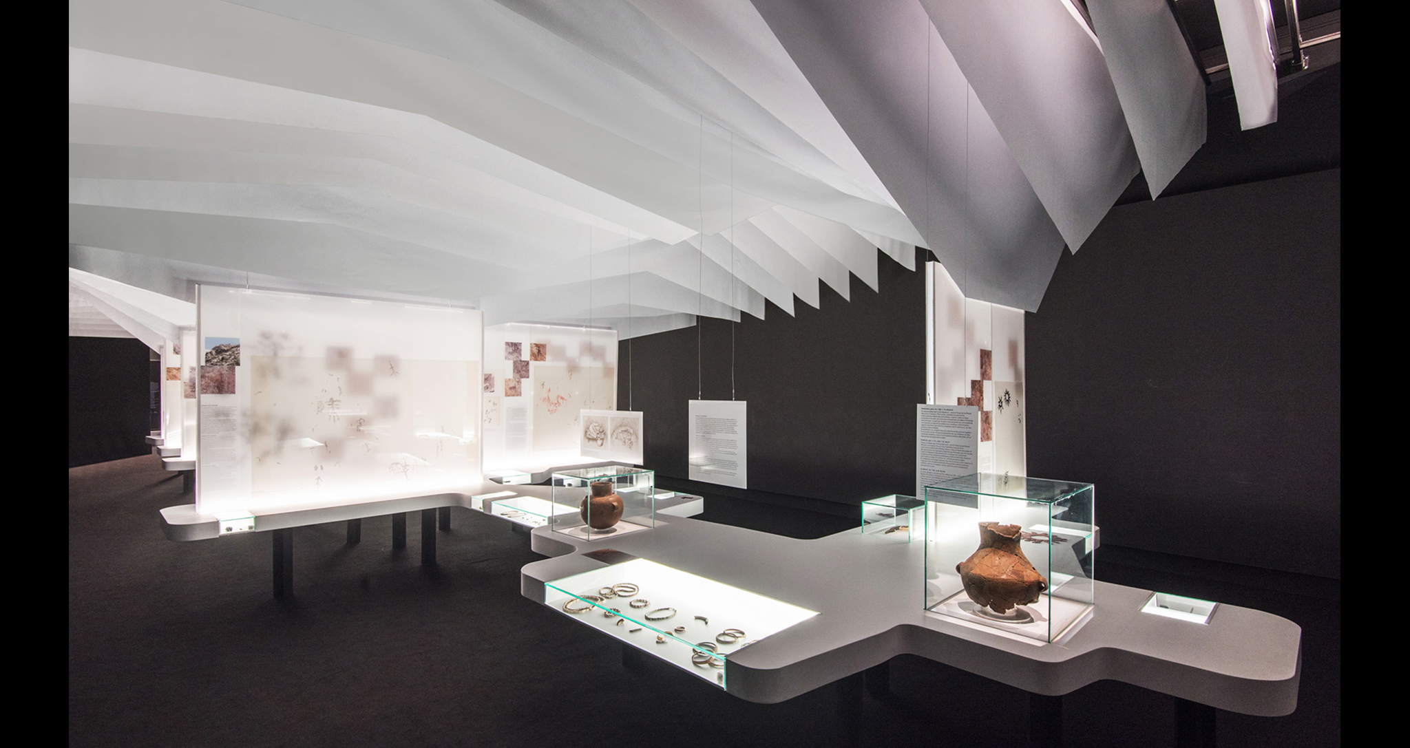 RUPESTRE, THE FIRST SANCTUARIES, TEMPORARY EXHIBITION, FOR THE ARCHAEOLOGICAL MUSEUM OF ALICANTE, BY ROCAMORA DISEÑO Y ARQUITECTURA, ELCHE, ALICANTE, SPAIN