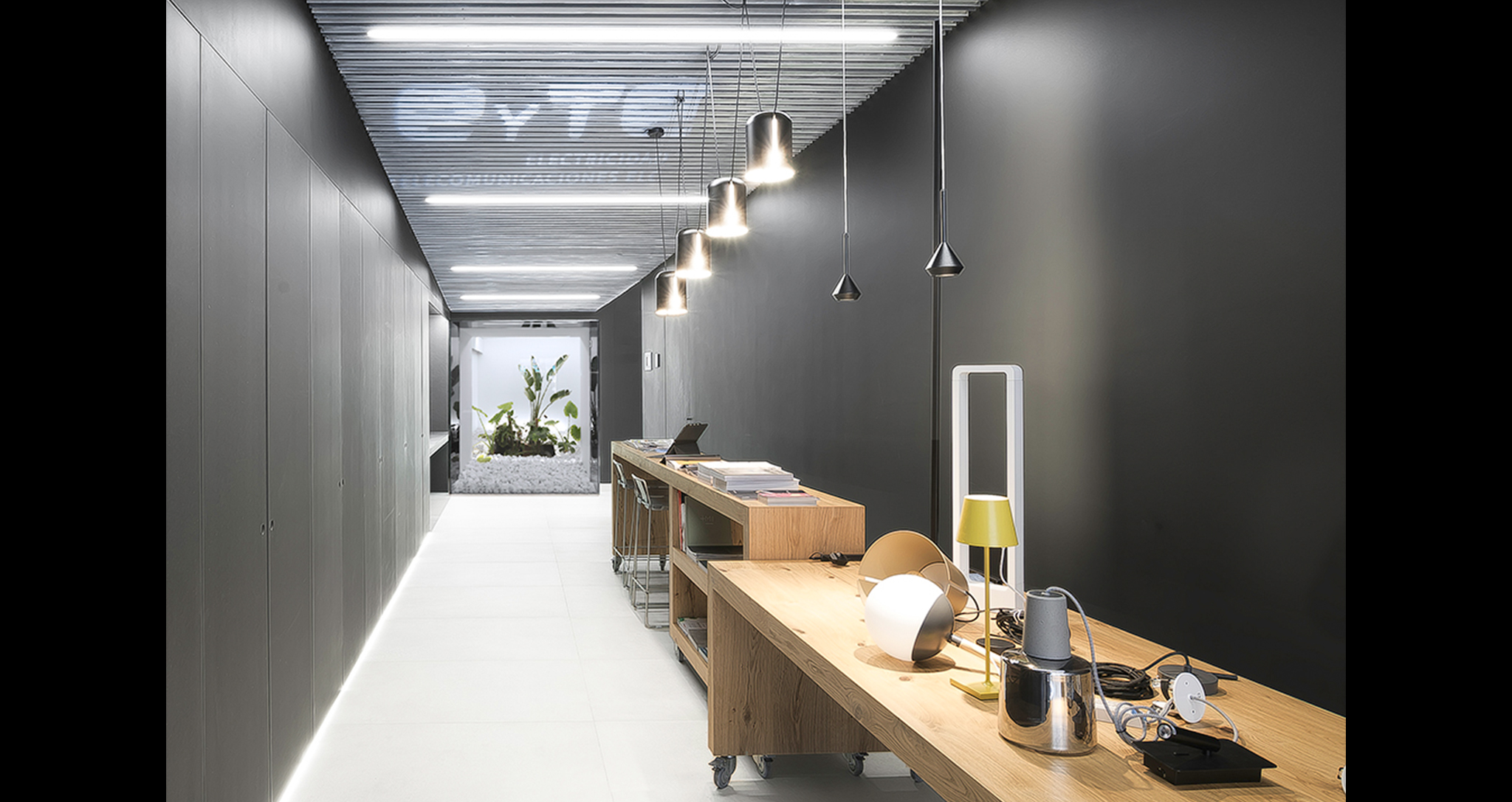 EYTE NEW SHOWROOM REMODELING OFFICES AND WAREHOUSE IN ELCHE ROCAMORA DESIGN AND ARCHITECTURE SPAIN
