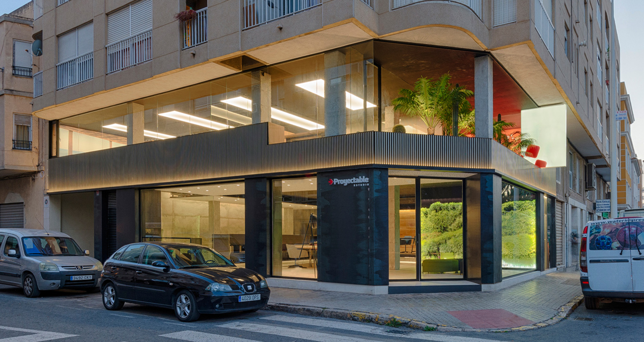 SHOW ROOM DESIGN AND REFORM OF NEW OFFICES BY ROCAMORA DISEÑO Y ARQUITECTURA, ELCHE, ALICANTE, SPAIN