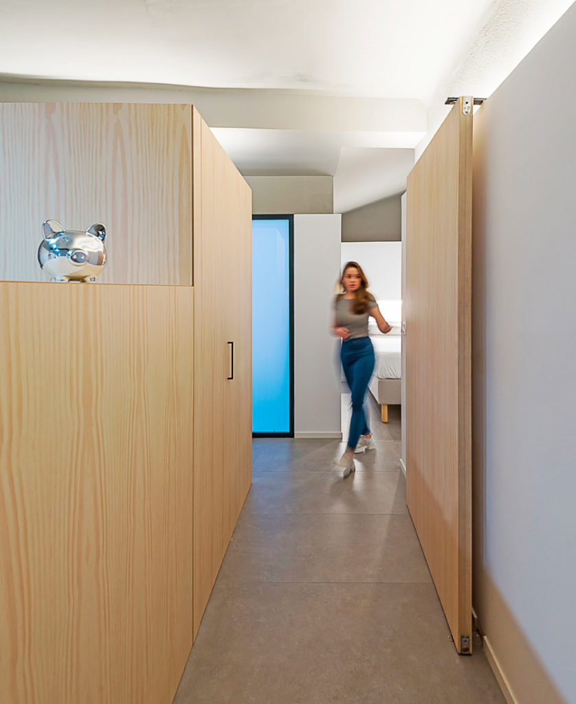 ARBRES - PROJECT OF INTERIOR REFORM IN A MULTI-FAMILY BUILDING SELECTED BY THE TERRITORIAL COLLEGE OF ARCHITECTS OF ALICANTE IN THE EXHIBITION OF RECENT ARCHITECTURE IN ALICANTE DURING THE YEARS 2018 AND 2019
